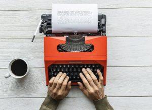 Afbeelding van typemachine behorende bij de website van Over Cijfers